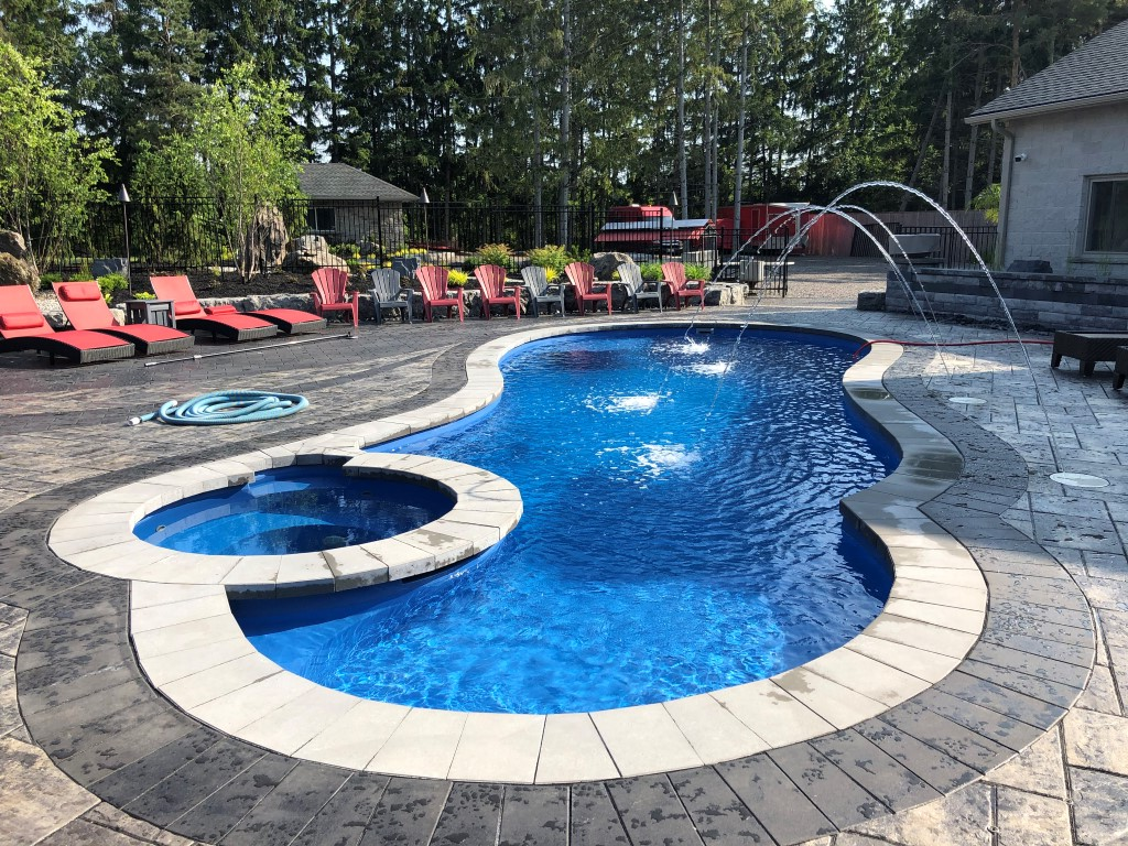 Leisure Pools Allure 40 Sapphire Blue 2019 0701 1