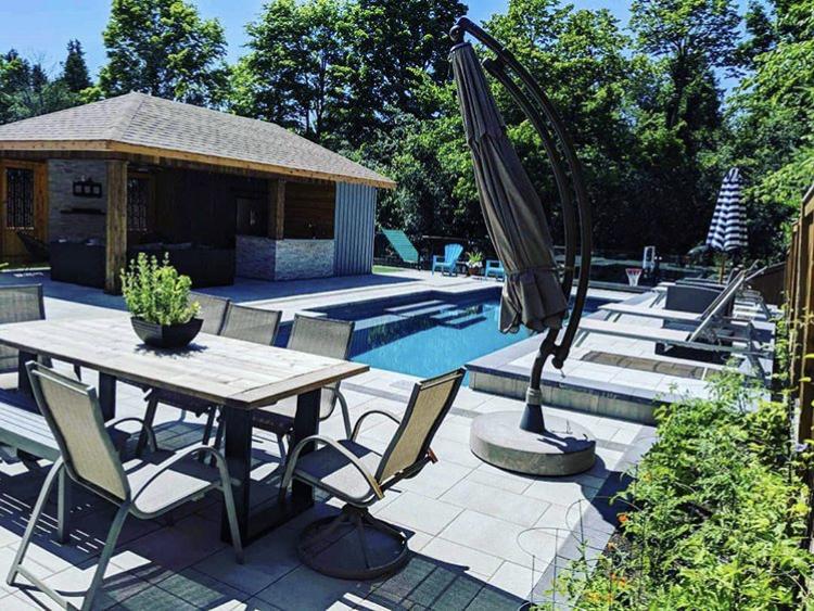Leisure Pools Elegance 33 Sapphire Blue 2019 0714