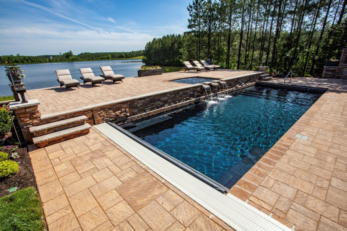 Leisure Pools Pinnacle 40 Ebony Blue with Tanning Ledge 2019 0522 1