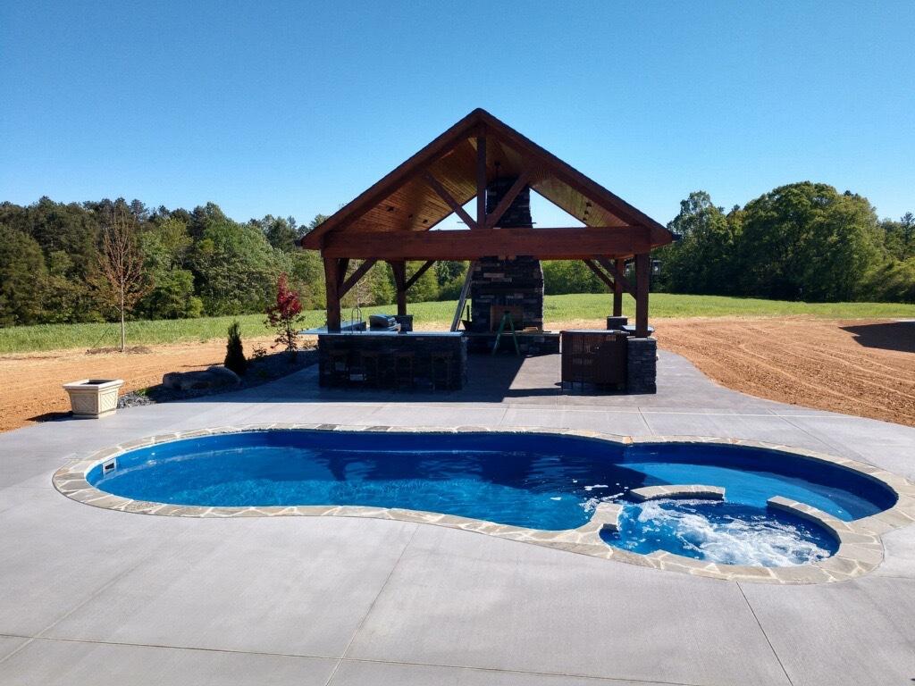 Leisure Pools Allure Sapphire Blue NC 2020 0418 1.JPG